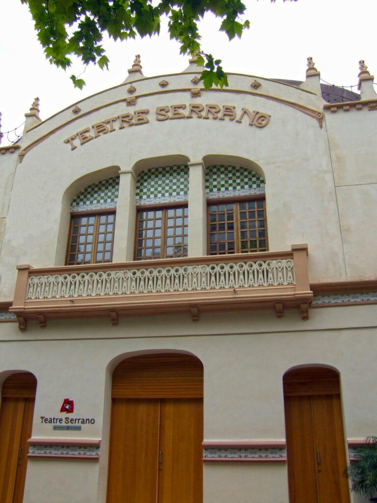 Facha teatro Serrano Gandia